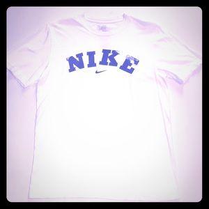 Nike men's size medium cotton tee